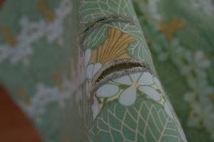 cut buttonholes