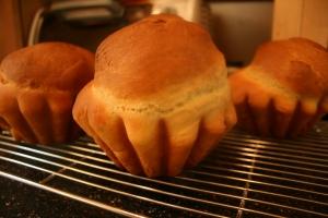 Baked mini-brioches